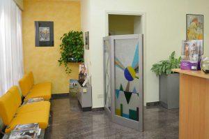 2021-03-Mondial-Udito-Centro-Acustico-Lombardia-Ufficio-Sede-di-Lecco-Accoglienza